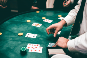 Online Card Games Help Win at Texas Holdem